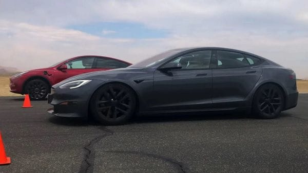 The Tesla Model S Plaid took the crown in the drag race. (Image: Youtube/Edmunds)