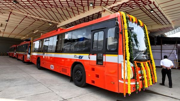 Mumbai to add another 1,900 fully electric buses to its EV public transport fleet. (Satish Bate/HT PHOTO)
