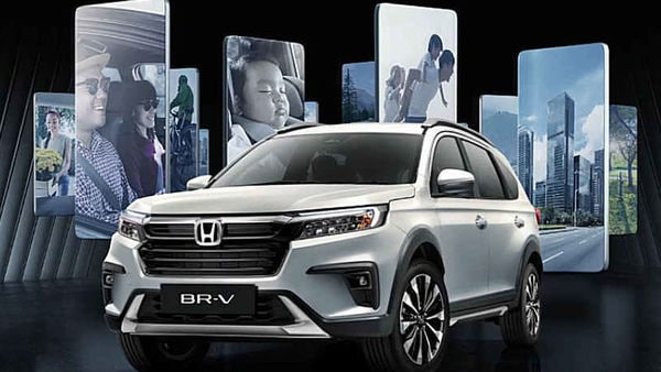 The design of the new car from Honda is not too strikingly different, however, it sports various features and technologies like Honda Lane Watch, Remote Engine Start, Walk-Away Auto Lock, and Smart Entry System.