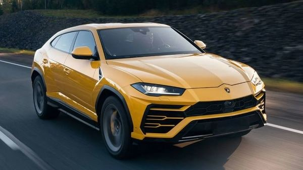 Lamborhini Urus claims to offer supercar performance and yet be practical enough to be a city crusader.