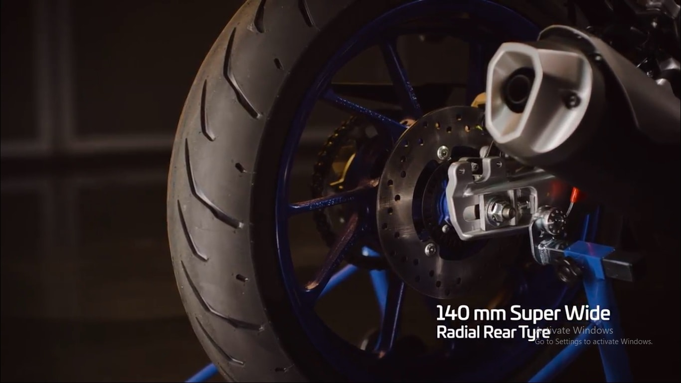 The new Yamaha YZF-R15 gets a 140 mm wide Radial Real tyre. It also gets a disc brake at the rear end.