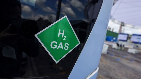 Several countries are encouraging automakers to invest in hydrogen fuel solutions.. (File photo) (Bloomberg)