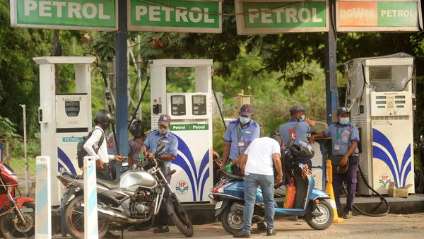Petrol is still selling above ₹100 per litre in the majority of places across India. (Photo by Vijay Bate/HT Photo)