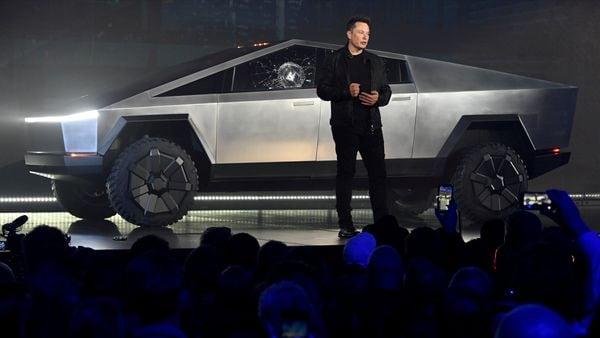 FILE PHOTO: Tesla CEO Elon Musk unveils the Cybertruck at the TeslaDesign Studio in Hawthorne, California (Robert Hanashiro-USA TODAY via I)