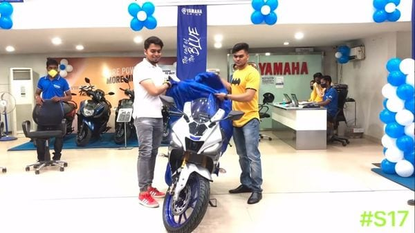Deliveries of the new Yamaha YZF-R15 V4 have started across select company dealerships. (YouTube/ Sufyan Ahmed)