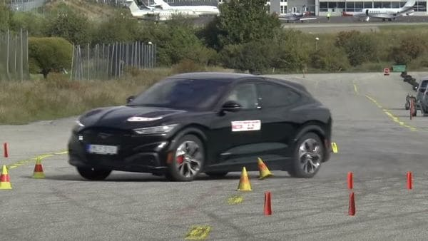 The car failed miserably during moose test. (Image: Youtube/Teknikens Värld)