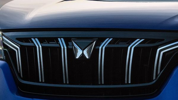 Mahindra's sales drop by more than 20% in September, ahead of XUV700 launch.