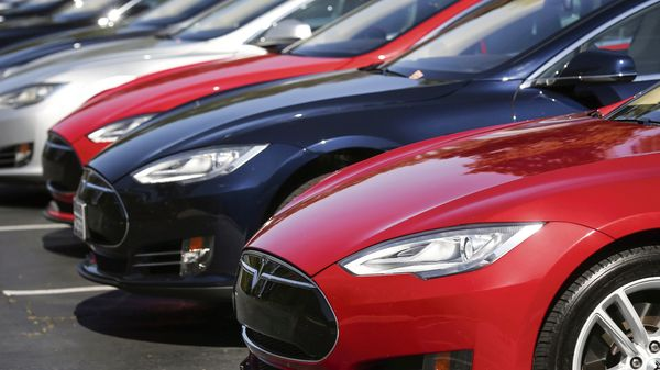 Carmakers reported U.S. third-quarter sales and most of the numbers were pretty ugly, battered by the global semiconductor shortage. (File photo) (MINT_PRINT)