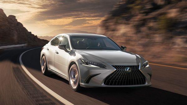Lexus ES sedan facelift version is all set to hit Indian shores on October 7.