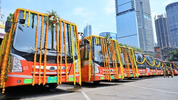 Tata Motors and Tata Power have joined hands to install EV charging station as Mumbai added 60 more electric buses in the BEST fleet, now totalling at 386 units. (Photo courtesy: Twitter/@AUThackeray)
