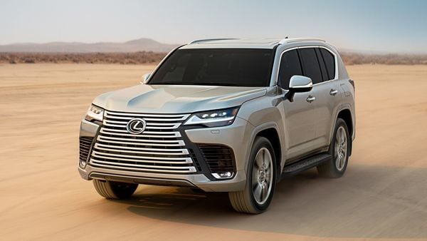 2022 Lexus LX 600 breaks cover as an off-road-ready, luxury version of the Toyota Land Cruiser SUV.