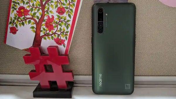 Realme X50 Pro ফোনের দাম ৩৭,৯৯৯। ছয় জিবি RAM ও ১২৮ জিবি মেমরি আছে এটিতে। ৩৯,৯৯৯ টাকায় পাবেন আট জিবি RAM। এ ছাড়াও আরেকটি ফোন আছে ১২ জিবি RAM ও ১২৮ জিবি মেমরি বিশিষ্ট যেটির দাম ৪৪৯৯৯।