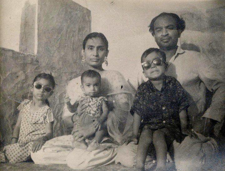 ১৯৬৭ সালের ৭ জানুয়ারি জন্মেছিলেন সাহাবজাদে ইরফান আলি খান। রাজস্থানের জয়পুরে জন্ম অভিনেতার। ছোটবেলায় অভিনয়  নয় ক্রিকেট খেলাই ছিল ইরফানের প্রথম ভালোবাসা। (ছবি-সংগৃহীত)