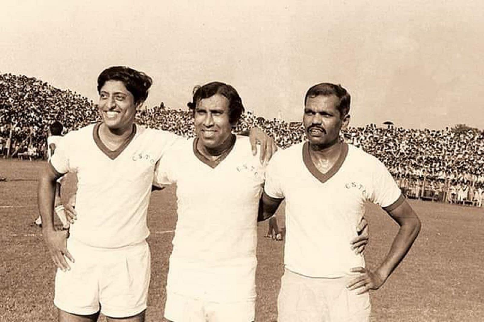 মোহনবাগানের ক্যাপ্টেন ছিলেন। জাতীয় ফুটবল দলকে নেতৃত্ব দিয়েছেন। আবার রঞ্জি ট্রফিতে বাংলার ক্রিকেট দলের অধিনায়ক ছিলেন চুনী গোস্বামী।