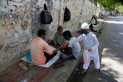 ইদে দরিদ্র সেবা, আমদাবাদে (AP)