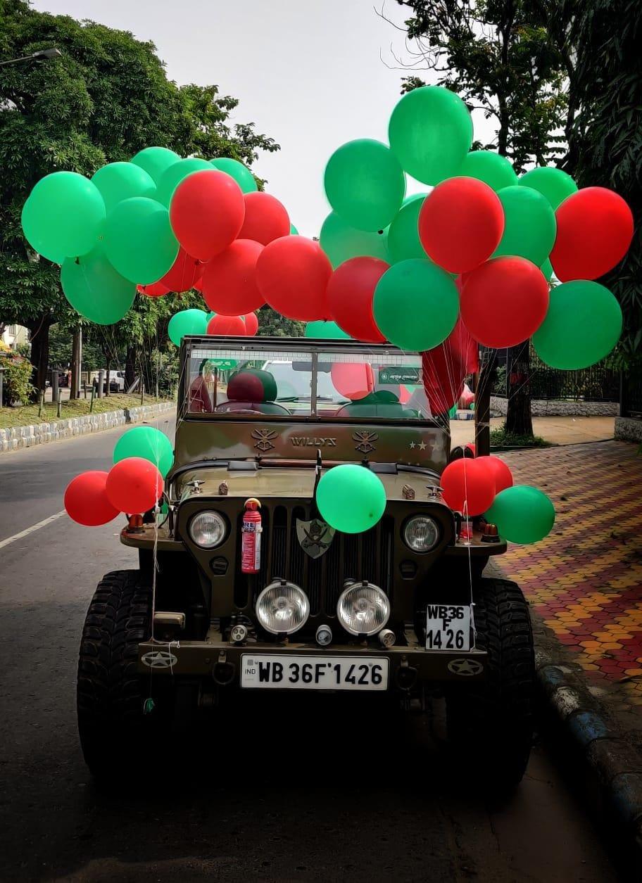 'জয় মোহনবাগান' ধব্বনিতে গমগম করছে চারিদিক। শহরের চারিদিকে সবুজ-মেরুন পতাকায় ছয়লাপ। দ্বিতীয়াতেই বাগান সমর্থকদের শুরু হয়ে গেল উৎসব। (ছবি সৌজন্য টুইটার @ILeagueOfficial)
