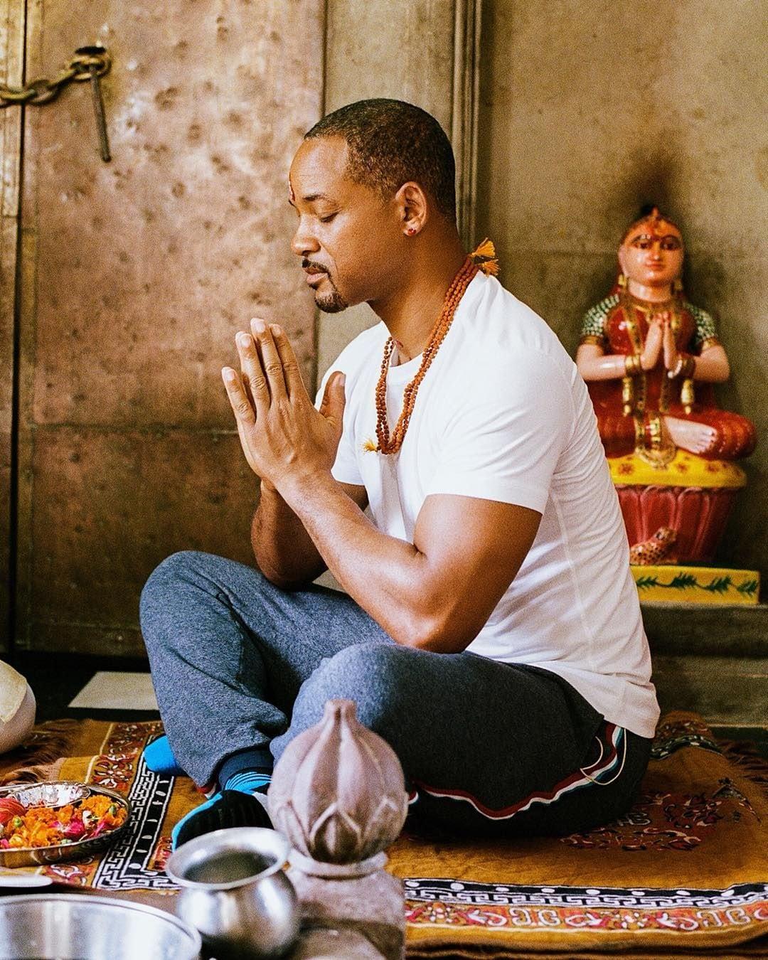 গত বছর হরিদ্বারে পৌঁছে গঙ্গা আরতিতে যোগ দিয়েছিলেন তারকা। ভক্তিভরে মা গঙ্গার পুজো করেছিলেন। (ছবি-ইনস্টাগ্রাম)