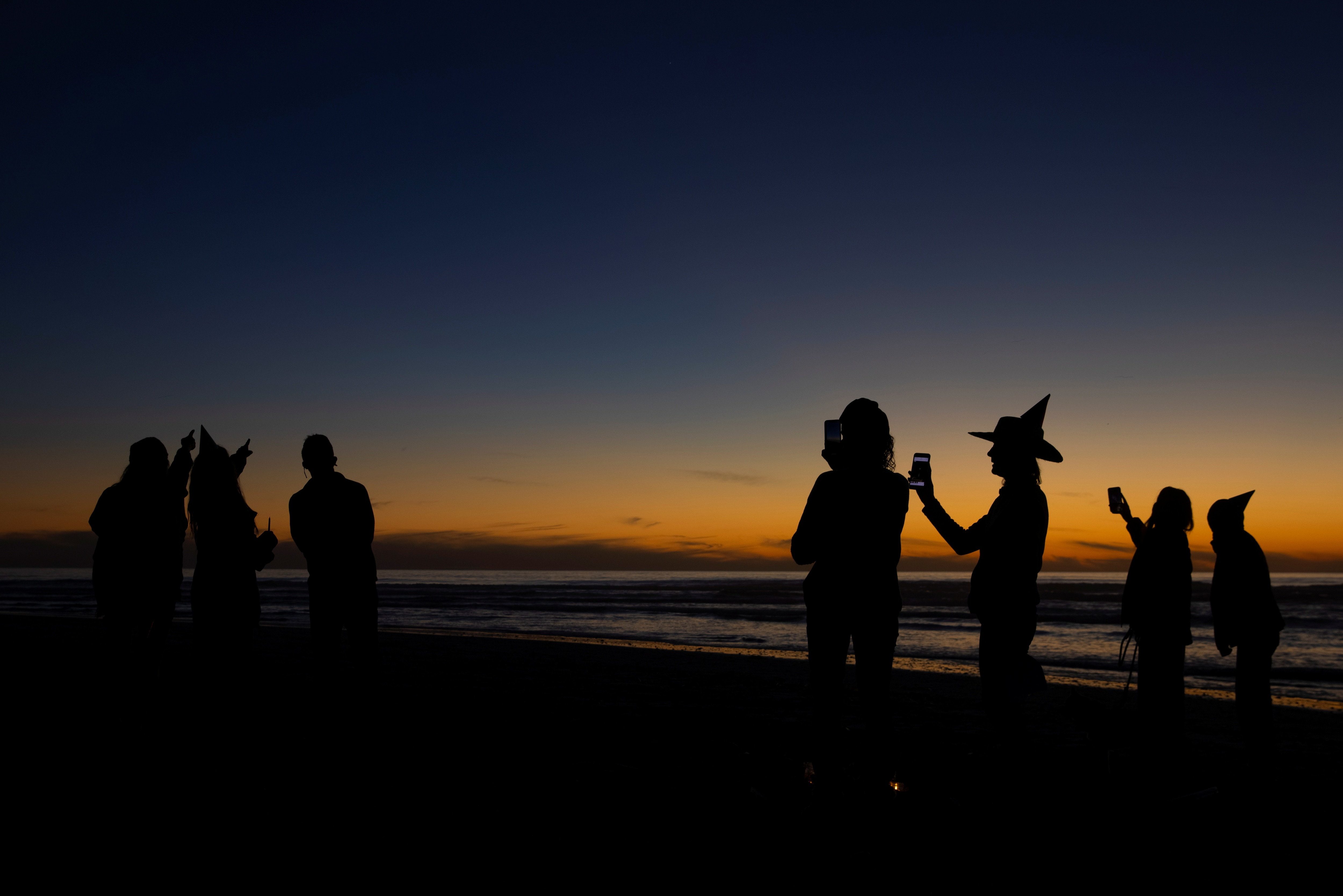 ক্যালিফোর্নিয়া বিচের ছবি (REUTERS)