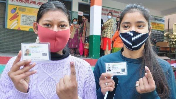 মোবাইল দেখিয়েই দিতে পারবেন ভোট, চালু হচ্ছে ডিজিটাল ভোটার কার্ড - Digital  EPIC Card to be launched by Election Commission from 25th January , Bangla  News