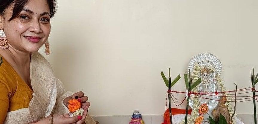 শ্রীলেখা বাণীবন্দনার ছবি পোস্ট করে লেখেন, 'আমার ধর্ম, আমার ভালোবাসা'।