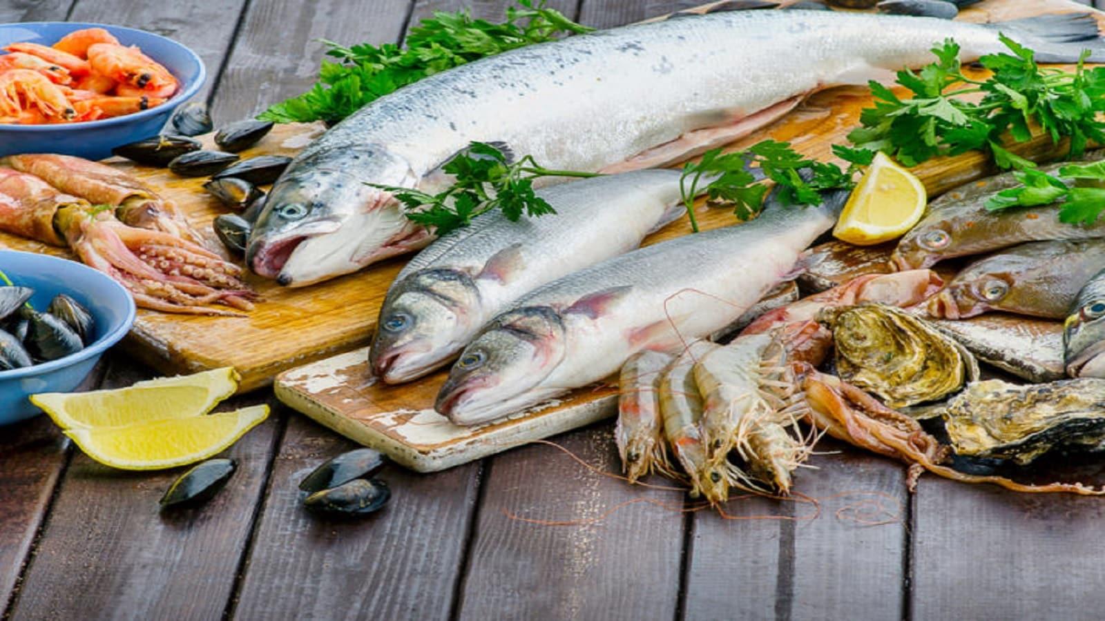 মাছ- মাছ প্রোটিন সমৃদ্ধ এবং এতে সম্পৃক্ত ফ্যাটও কম পরিমাণে থাকে। প্রোটিন সমৃদ্ধ হওয়ায় মাছ উচ্চতা বৃদ্ধিতেও সহায়ক।