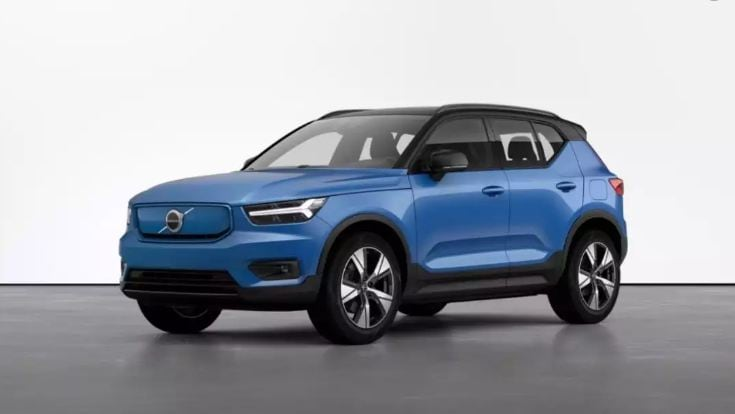 Volvo XC40 Recharge: ধীরে ধীরে Audi, BMW, Mercedes-এর বাজারে থাবা বসাচ্ছে Volvo । তবে স্টেটাস ব্র্যান্ড হিসাবে হয় তো এখনও কিছুটা পিছিয়ে Volvo । সংস্থার নতুন ইলেকট্রিক গাড়ি XC40 ভবিষ্যতে সেটা পূরণ করতে পারে কিনা সেটাই দেখার। মোটর : 402 HP চার্জিং টাইম : ৭ ঘণ্টা রেঞ্জ : ৪১৮ কিলোমিটার আনুমানিক মূল্য : ৬০ লক্ষ টাকা ছবি : টুইটার (Twitter)