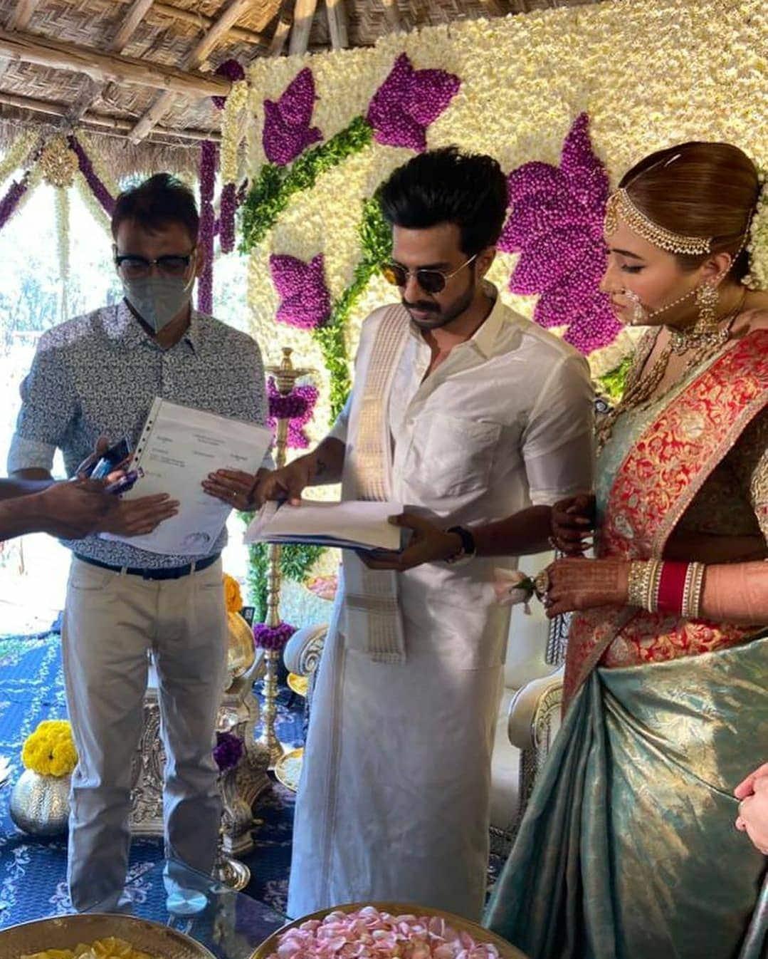 জোয়ালা বিয়ে করেছিলেন চেতন আনন্দের সঙ্গে। ২০১১ সালে তাঁদের বিবাহ বিচ্ছেদ হয়।