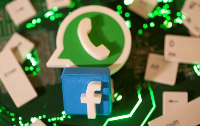 WhatsApp-এ নতুন আপডেট আনা হচ্ছে। এমনটাই জানা গিয়েছে WABetaInfo সূত্রে। নতুন আপডেটে মূলত দুইটি বদল আনা হয়েছে। ফাইল ছবি : রয়টার্স (REUTERS)