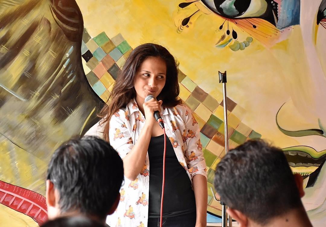 মুম্বইয়ের কিছু জনপ্রিয় ক্যাফেতে Karaoke Nights-এর সঞ্চালনা করেন পূজা। অনিল কাপুরের জনপ্রিয় ওয়েব সিরিজ '২৪'-এও অভিনয় করেছেন তিনি। (ছবি-ইনস্টাগ্রাম)