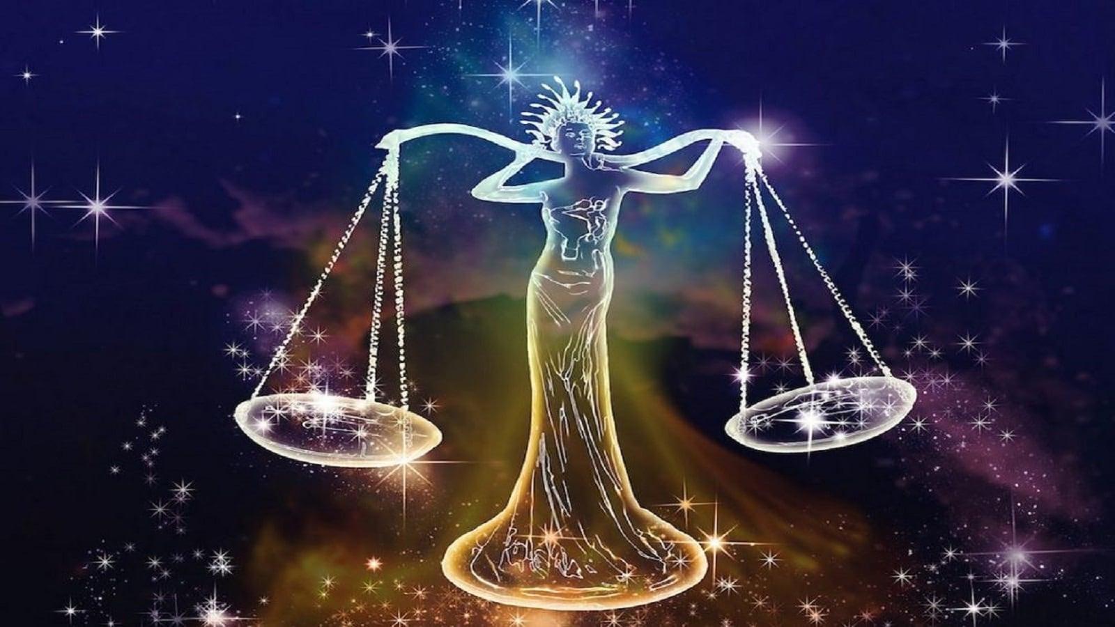তুলা-আর্থিক উন্নতির নতুন রাস্তা খুজে পাবেন। আর্থিক লাভ হবে। সম্পত্তি সংক্রান্ত কাজে সাফল্য লাভ করবেন। ব্যবসার পরিস্থিতি ঠিক থাকবে। স্বাস্থ্য ভালো থাকবে। বিরোধী আপনার কাজে বাধা সৃষ্টি করতে পারে। পৈতৃক মামলার সমাধান হতে পারে।