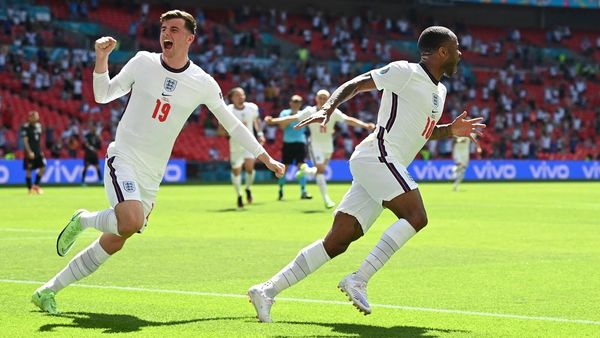 England vs Croatia Live: গোল করলেন স্টার্লিং, প্রথমবার ইউরোয় নিজেদের প্রথম ম্যাচে জিতল ইংল্যান্ড - live update of england vs croatia euro cup 2020 group d match, Bangla News