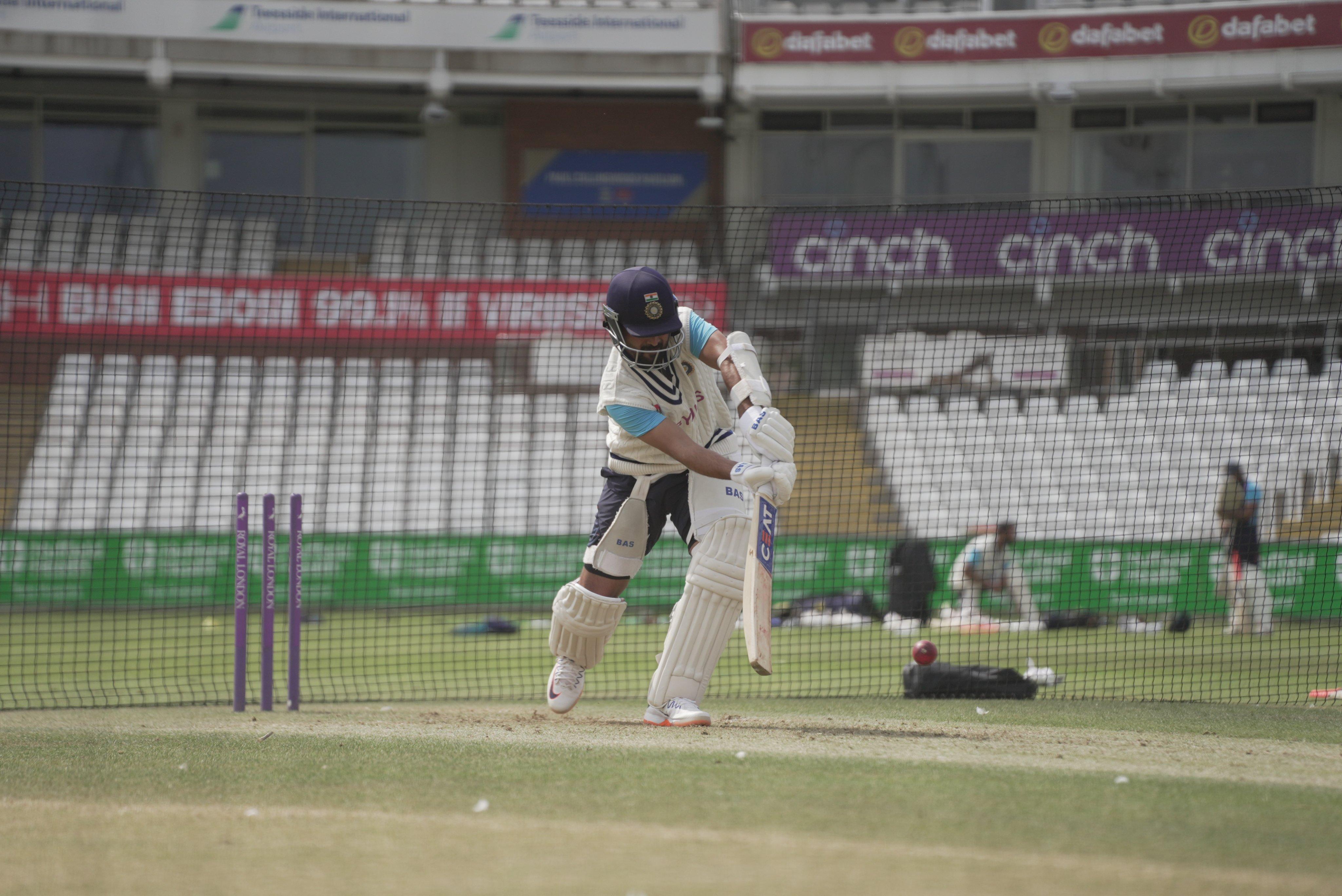ইংল্যান্ডের বিরুদ্ধে পাঁচ ম্যাচের টেস্ট সিরিজ খেলবে ভারত।