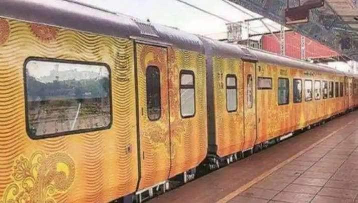 ট্রেন ২ ঘণ্টা লেট হওয়ায় যাত্রীদের ক্ষতিপূরণ দেওয়ার ঘোষণা করল ভারতীয় রেল। ফাইল ছবি : পিটিআই (PTI)