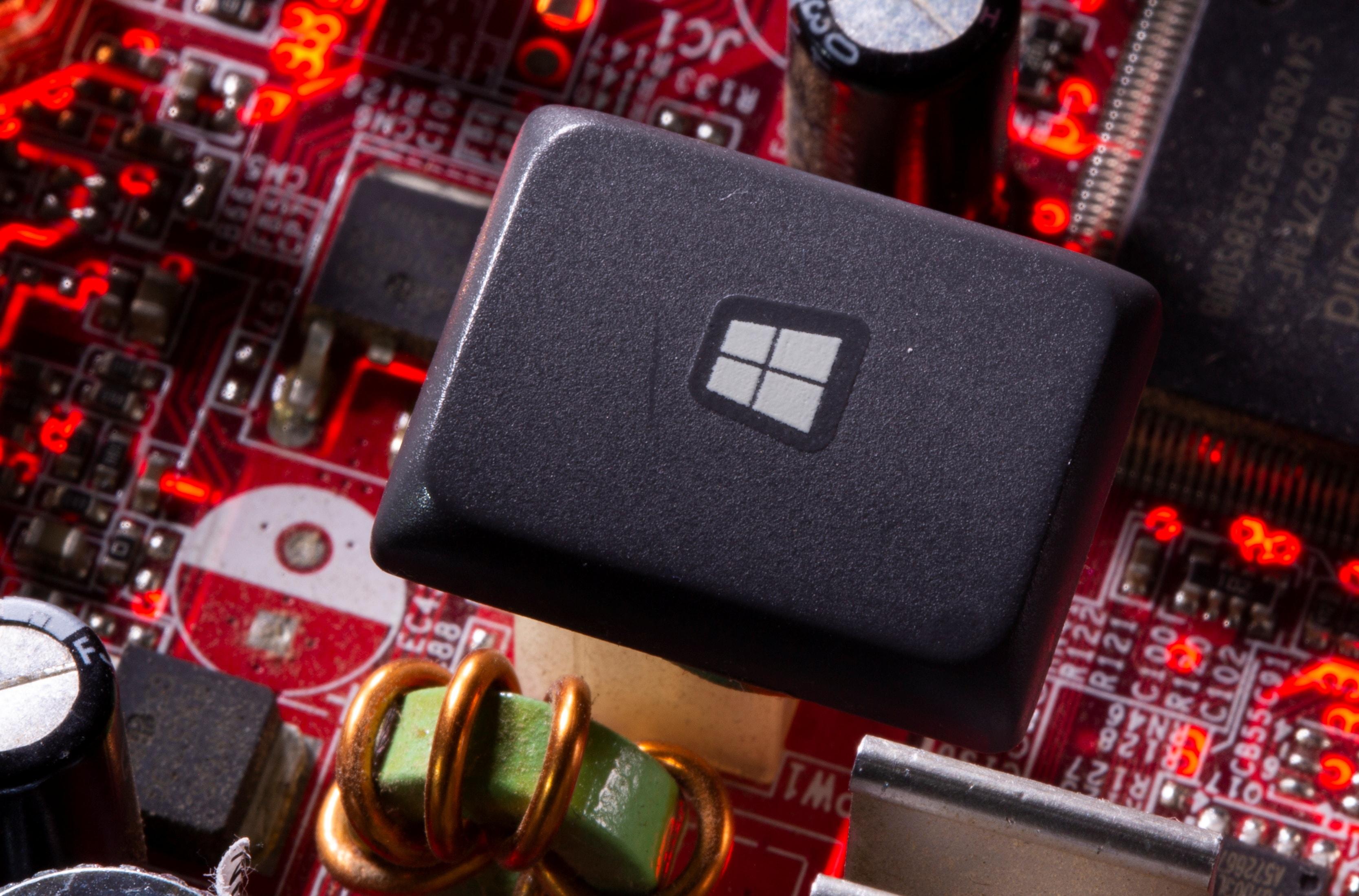 আগামী ৫ অক্টোবর ২০২১ থেকে ডাউনলোড করা যাবে নতুন Windows 11।ফাইল ছবি : রয়টার্স (REUTERS)