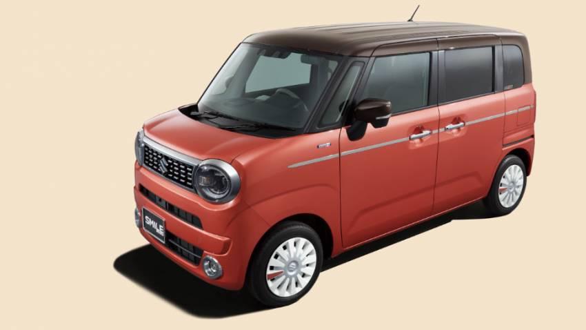 সামনে থেকে দেখলে মনে হবে চেনা পরিচিত WagonR । কিন্তু সাইড থেকে দেখলেই ভুল ভাঙবে। নতুন এমপিভি আনল মারুতি সুজুকি। জাপানে লঞ্চ হল Smile । ফাইল ছবি : মারুতি সুজুকি (Maruti Suzuki)