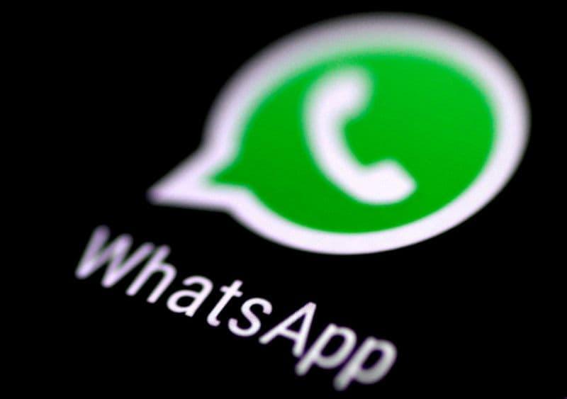 শীঘ্রই মাল্টিপল ডিভাইস সাপোর্ট আনবে WhatsApp। কিন্তু এখনই একাধিক ডিভাইসে একই হোয়াটসঅ্যাপ অ্যাকাউন্ট খুলে রাখা সম্ভব। একসঙ্গে চারটে ফোনে WhatsApp চালাবেন কীভাবে? ফাইল ছবি : রয়টার্স (REUTERS)
