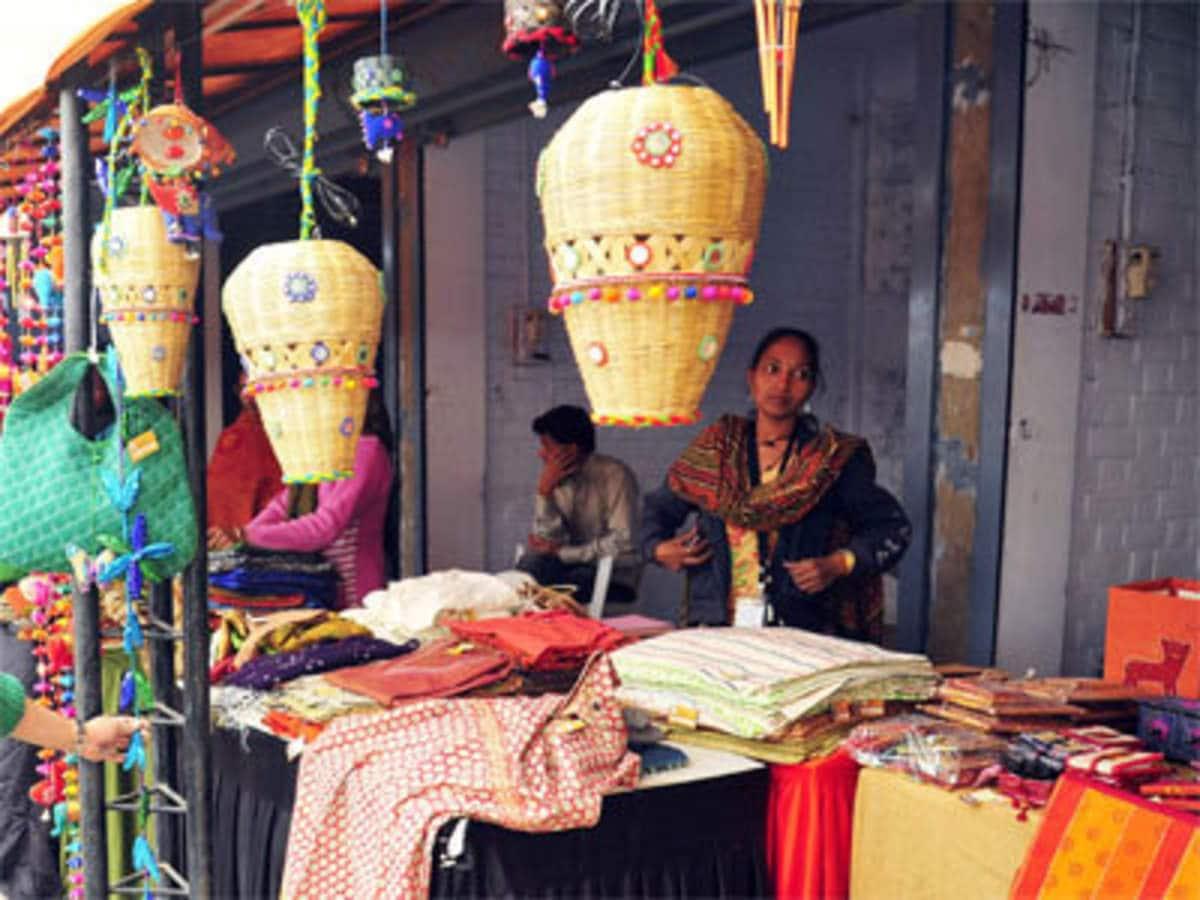 'ভাবনাটি পারস্পরিক। কারণ বাংলাদেশ সীমান্তের হাটে কেনাবেচায় কোনও কর আরোপ করে না,' জানালেন অর্থ মন্ত্রকের এক আধিকারিক। ফাইল ছবি : পিটিআই (PTI)