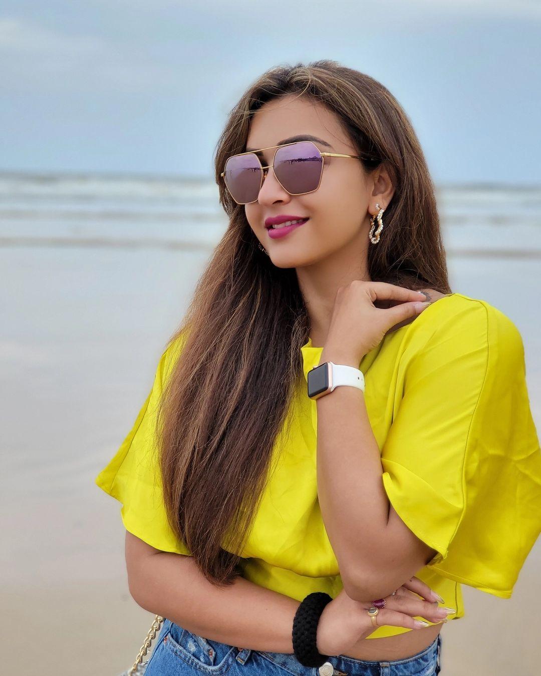 বাংলাদেশের সিনেমায় অভিনয় করতে যাচ্ছেন অভিনেত্রী কৌশানী। নাম 'পিয়া রে'। প্রযোজনা সংস্থা শাপলা মিডিয়া ইন্টারন্যাশনাল।