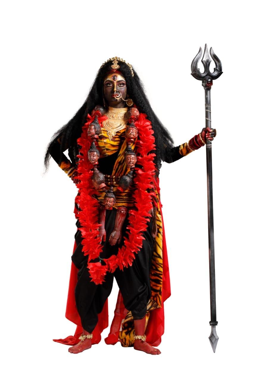 'রিমলি' ধারাবাহিকের ইধিকা পাল-কে পর্দায় দেখা যাবে দেবী চামুণ্ডা রূপে।