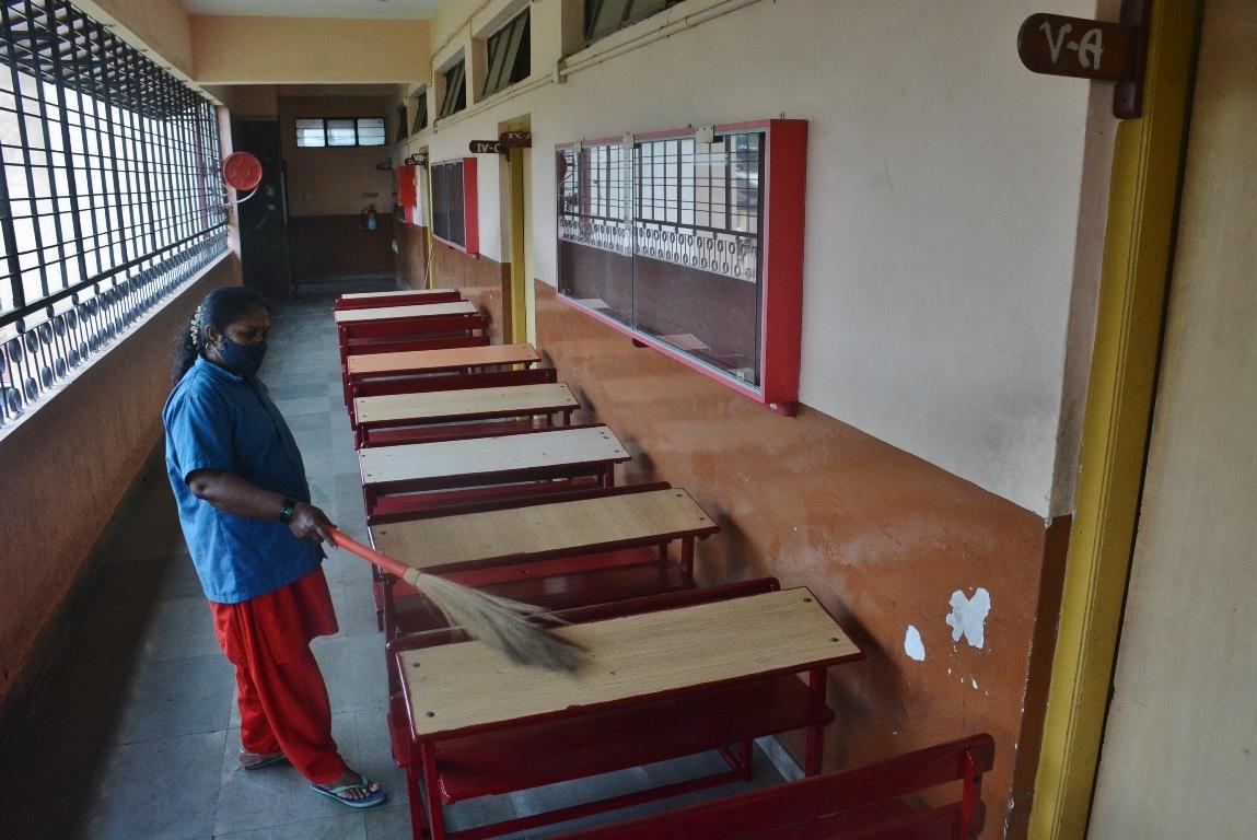 দিল্লি মিউনিসিপাল স্কুল, দিল্লি ক্যান্টনমেন্ট বোর্ড এবং সোশ্যাল ওয়েলফেয়ার স্কুল বিভাগের পড়ুয়াদের জন্য এই সুবিধার আর্জি করা হয়েছে। দিল্লির বেশিরভাগ স্কুল, ১,০৩০টি দিল্লি সরকারি স্কুলে সিবিএসই অ্যাফিলেটেড। ফাইল ছবি : হিন্দুস্তান টাইমস (Praful Gangurde / HT Photo)