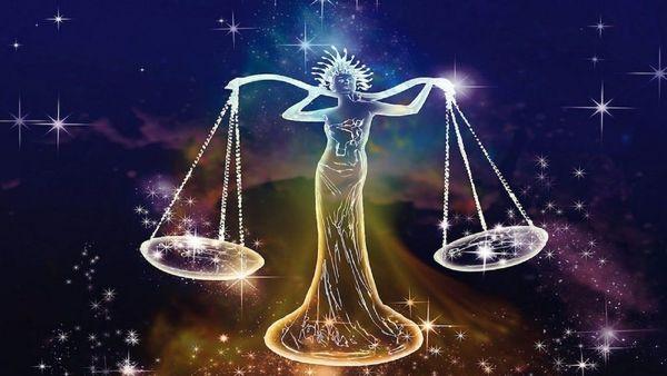 তুলা- ব্যবসা ভালো থাকবে। ব্যক্তিগত সমস্যার সমাধান হবে। কাজে মনোনিবেশ করুন। অতিথি সমাগম সম্ভব। পরিজনদের সঙ্গে অসন্তোষ হবে। জমি-বাড়ির সমস্যার কারণে চিন্তিত থাকবেন। আর্থিক চিন্তা থাকবে।