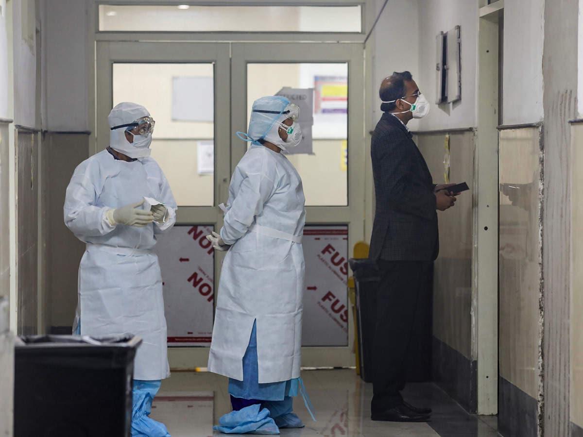 করোনায় মৃত্যু: বুধবার ২৪ ঘণ্টায় করোনায় (Coronavirus) মৃত্যু সংখ্যা ৩১৮। ফাইল ছবি : পিটিআই (PTI)