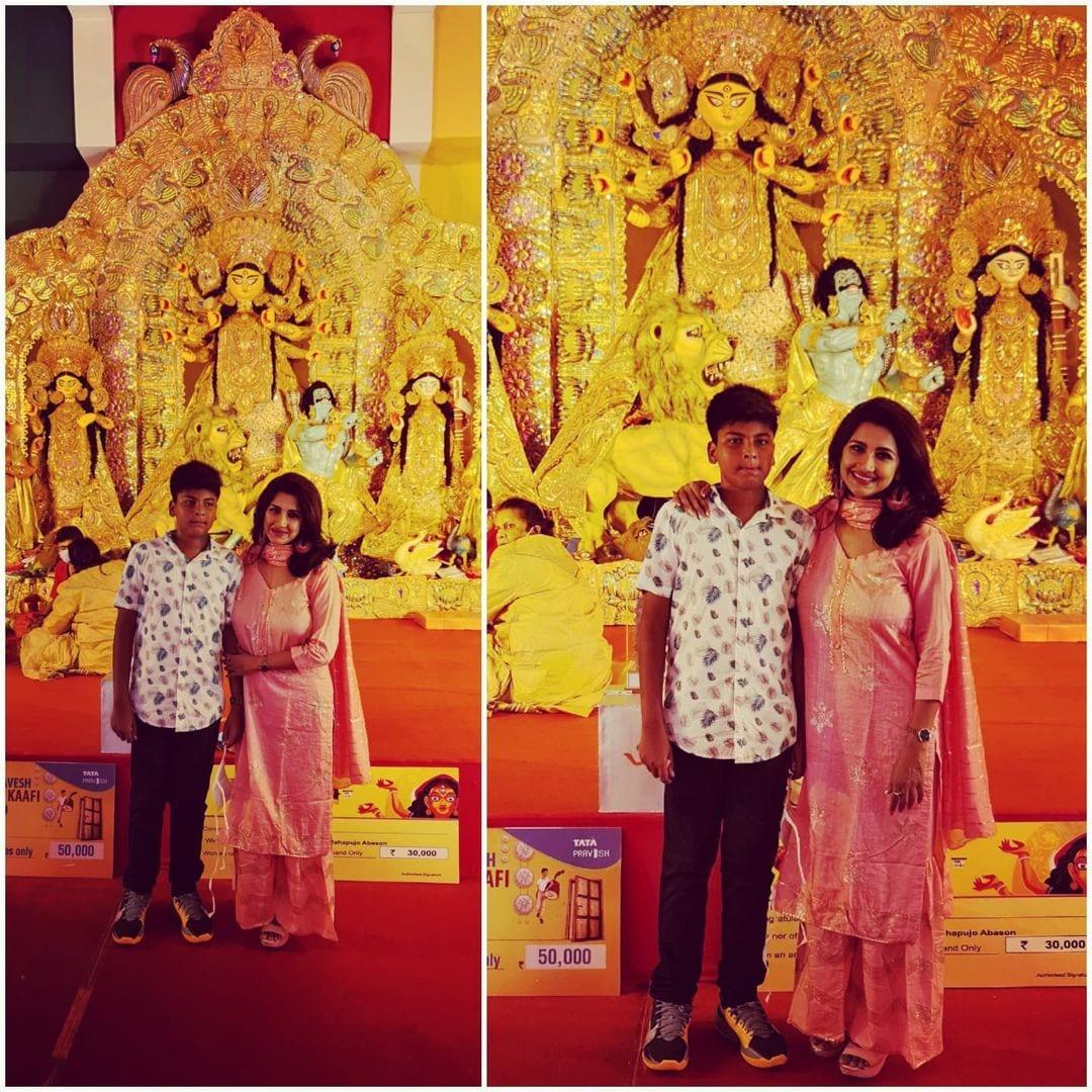 পুজো মানেই শ্যুটিং থেকে বিরতি। একমাত্র ছেলের সঙ্গেও পুজোয় অনেকটা সময় কাটাচ্ছেন মাম্মি রচনা। শেয়ার করেছেন সেই ছবিও।