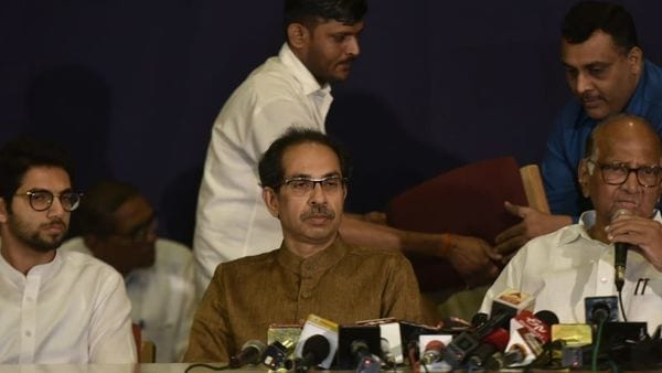 Maharashtra Government formation Live Updates| 'Together in this fight': Sharad Pawar backs Sena chief Uddhav Thackeray