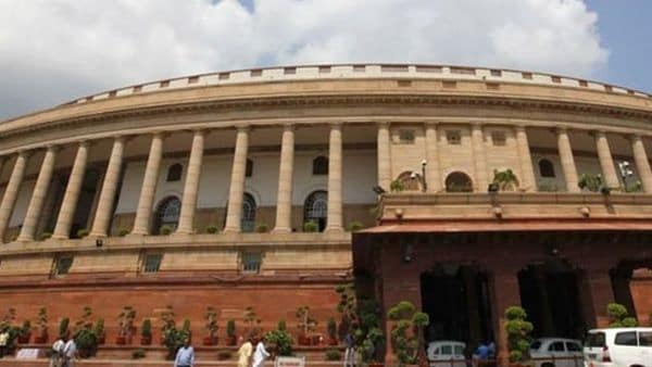 Parliament Live| Ruckus in Lok Sabha over scrapping of Article 370