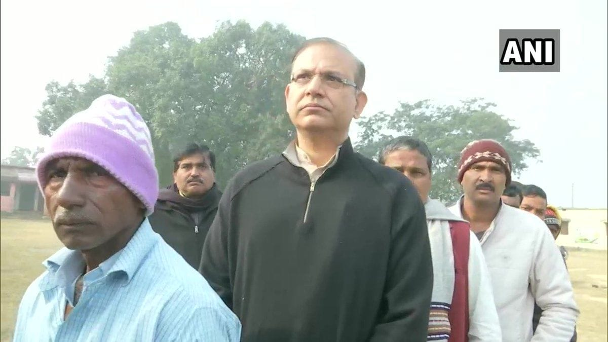 <p>BJP MP Jayant Sinha at polling booth in Hazaribagh</p>