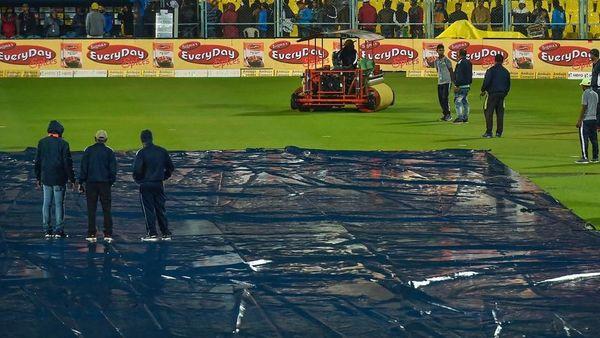 India vs Sri Lanka Live Score: Kohli and Co look to maintain winning run against