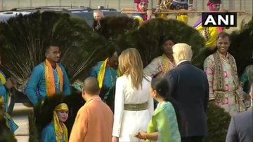 <p>Trumps welcomed at airport with cultural programme</p>