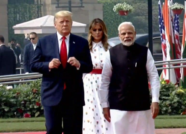 <p>Trump arrives at Hyderabad House in New Delhi</p>