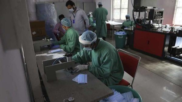 Highlights: Global coronavirus death toll crosses 100,000
